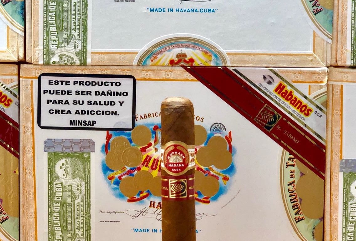 H Upmann Royal Robusto